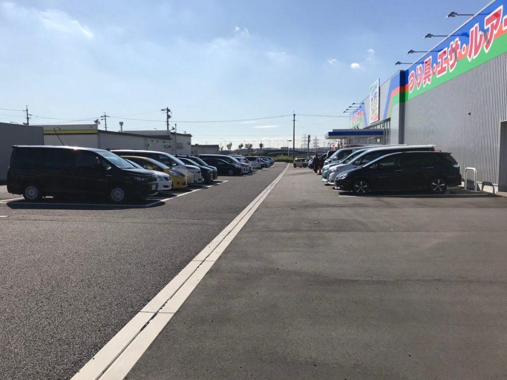 フィッシング遊刈谷の駐車場