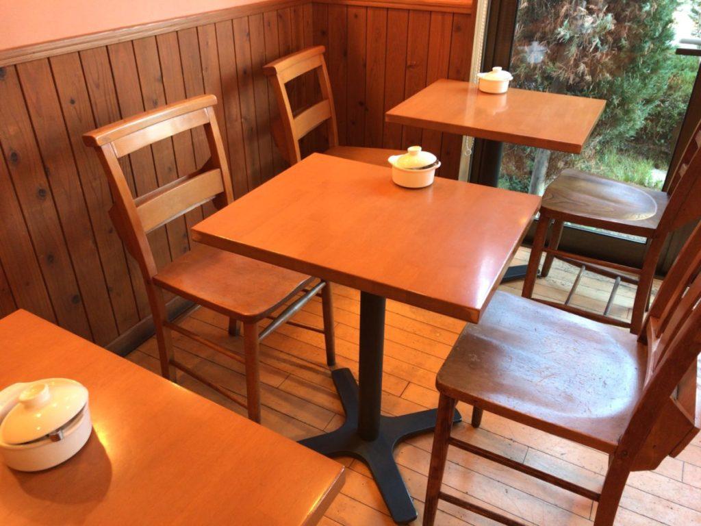 パスティリーサリューのカフェスペース
